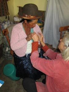 Doña Narciza Receives Her Spinzilla Button