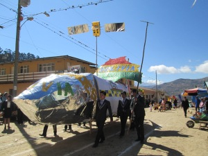Don Bosco´s Class of ´14 Carrying Their Float