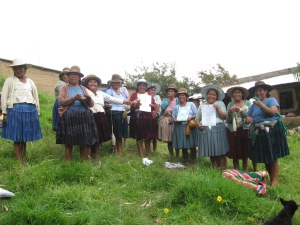 Group Photo Receiving Official Centro de Artesanía, Huancarani Documents, 2012