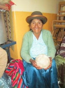 Doña Julia Waiting for Her Yarn to Be Measured