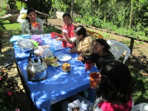 Tea Time During Reyna´s Crochet Class