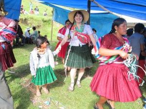 Katie Dancing with Doña Maxima´s Granddaughter, Emily